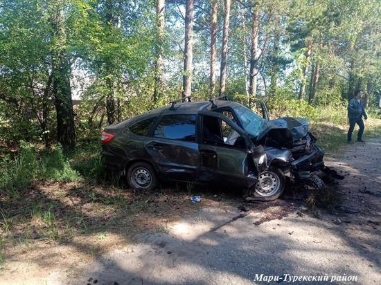 В Марий Эл водитель «Гранты» погиб, столкнувшись с деревом