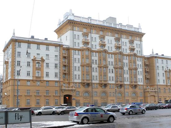 Душевнобольной попытался проникнуть на территорию посольства США в Москве