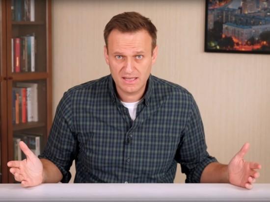 Навальный отозвал оба иска к колонии