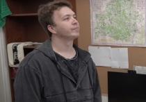 Дмитрий Песков заявил журналистам, что в Кремле не в курсе, кого имел в виду Протасевич, говоря о том, что работу  белорусского телеграм-канала Nexta финансировал олигарх, связанный с Уралом и горнодобычей