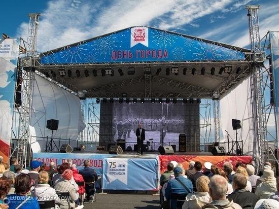 """День города-2021: группа """"Дюна"""", гонки яхт, фестиваль собак и салют"""