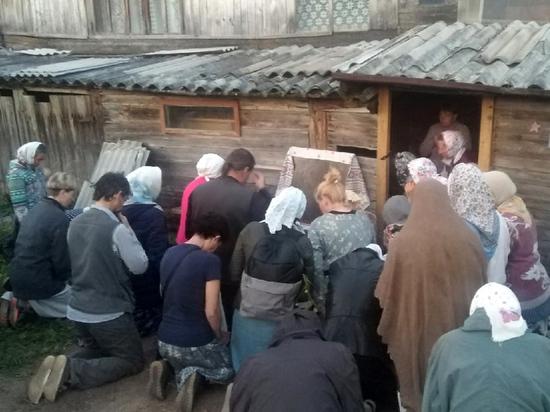 «Через дверь проступила икона»: в селе Великорецкое узрели  «чудеса»