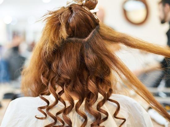 Читинец проводил знакомую в парикмахерскую и украл у нее микрозайм