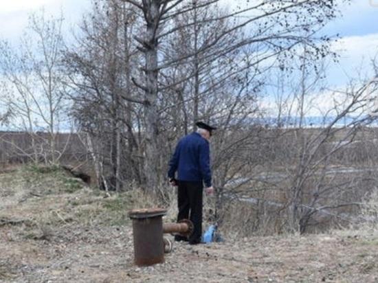 В Бурятии на Байкале обнаружили странную активность вокруг полувековой трубы