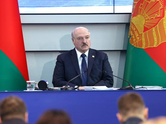 Лукашенко призвал Белоруссию наладить собственное производство стрелкового оружия