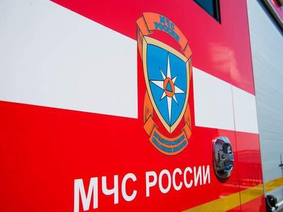 В Астрахани на дороге возле больницы сгорела иномарка