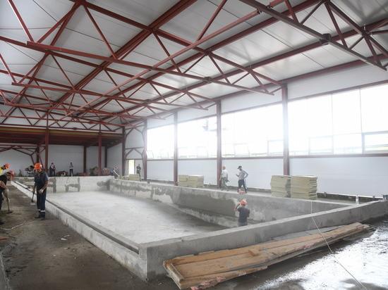 В Калаче-на-Дону подходит к завершению строительство крытого бассейна