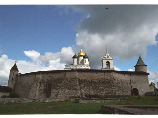 Псковский Довмонтов меч вошел в список мест силы России