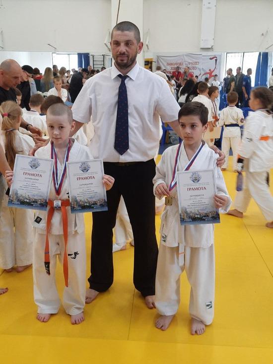 Спортсмены из ЛНР завоевали 4 медали на первенстве по карате в России