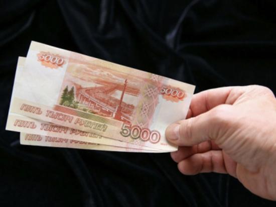 Сотрудника чепецкой администрации уличили во взятках