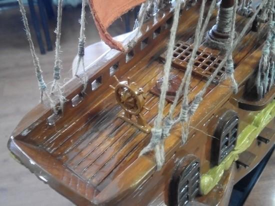 Осужденные ИК-3 в Забайкалье научились делать сувенирные корабли