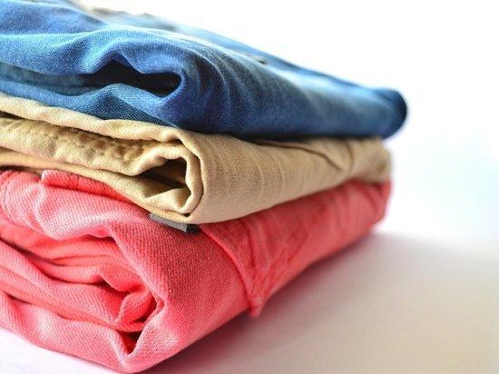 Барнаулец украл футболки и женские брюки в магазине спорттоваров