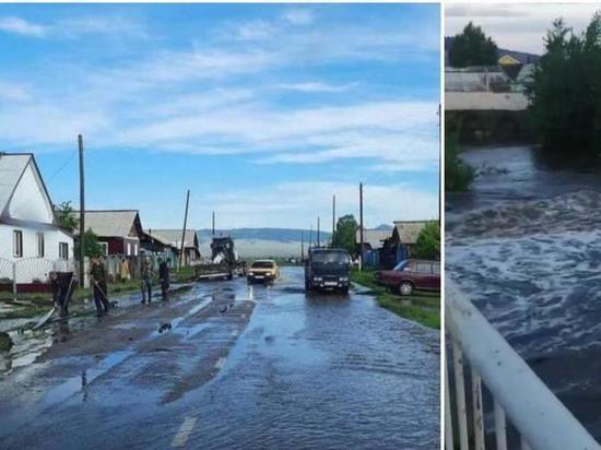 Уровень воды в затопившей село реке в Бурятии падает