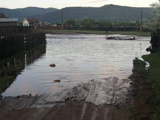 Причиной затопления села в Бурятии стала выпавшая за два дня месячная норма осадков