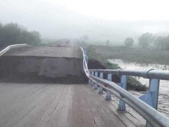 Река обрушила мост в Красночикойском районе Забайкалья