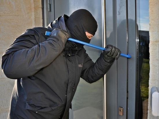 Пьяный забайкалец в медицинской маске попытался ограбить магазин в Ясногорске