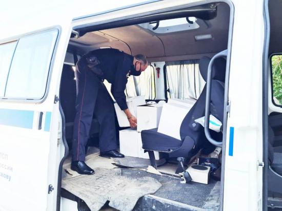 Около тысячи литров алкоголя без документов изъяли полицейские в Пскове