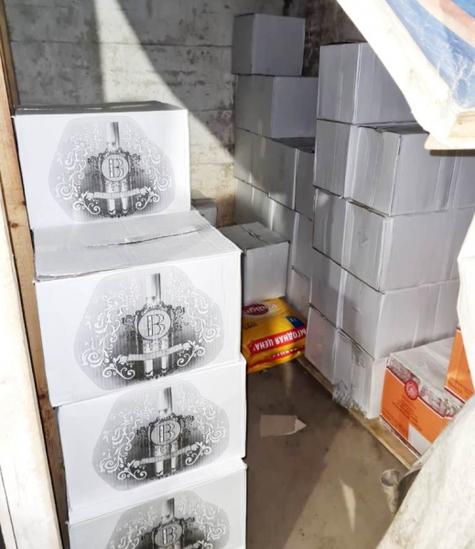 В Пскове полицейские изъяли около тысячи литров алкоголя без документов , фото-2