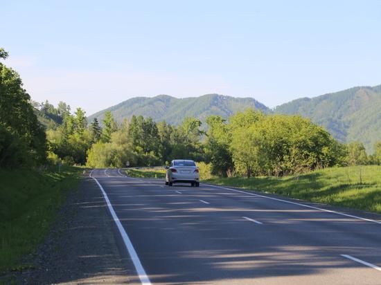 Федеральные дорожники обновляют въезд в Барнаул по Чуйскому тракту