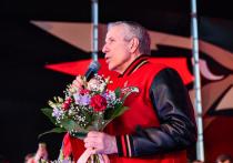 Главный тренер «Авангарда» Боб Хартли признан лучшим тренером КХЛ по итогам минувшего сезона. «МК-Спорт» расскажет, почему канадец этого достоин.