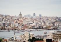 Турецкие высокопоставленные чиновники здравоохранения сообщили, что эпидемиологическую ситуацию можно назвать стабильной, поэтому закрывать полеты на местные курорты больше не имеет смысла