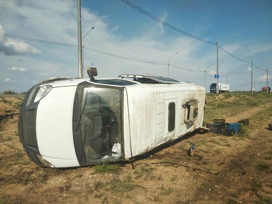 В Астраханской области пострадал пассажир перевернувшейся «Газели»