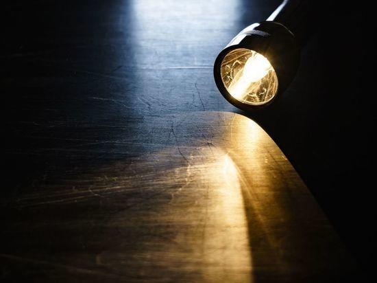 Стали известны детали истории отключения света в квартире многодетной семьи из Любани