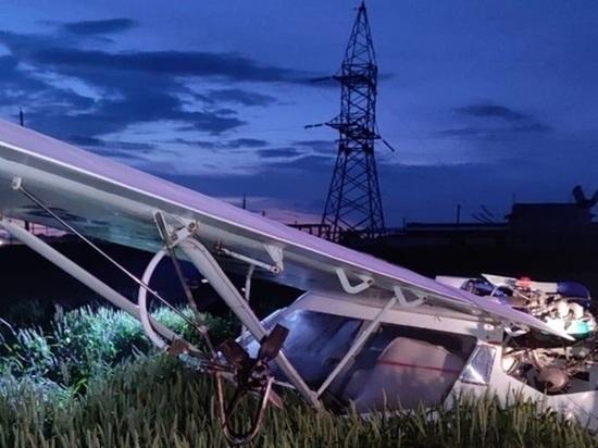 В Ростовской области самолет совершил жесткую посадку