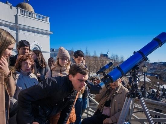 Жители Томской области смогут 10 июня наблюдать кольцеобразное солнечное затмение