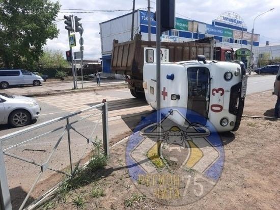 Минздрав прокомментировал аварию со скорой в Борзе: Пострадавшие в больнице