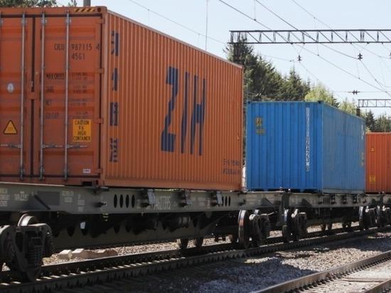 За пять месяцев на СвЖД перевезено 185 тысяч контейнеров ДФЭ
