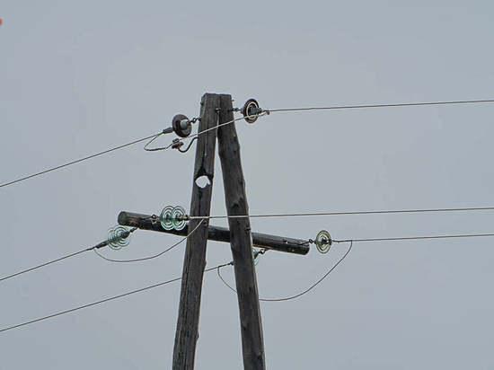 В Бурятии шаровая молния проделала дыру в электроопоре