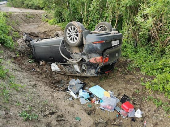 Петербурженка пострадала в ДТП с трактором в Дедовичском районе