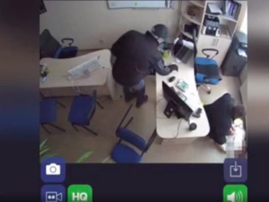 Подозреваемых оперативно задержали.