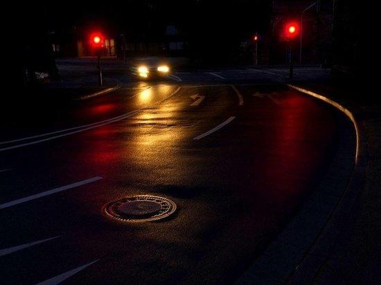 В Новокузнецке из-за частника погасло освещение на обновленном шоссе