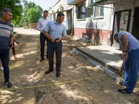 Мэр Благовещенска Олег Имамеев оценил ход благоустройства дворов
