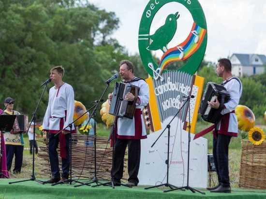 В Княгинине прошел фестиваль «Соловьиные напевы»