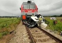 Тяжелые последствия аварий: ГИБДД напомнила водителям Салехарда о правилах пересечения рельсов