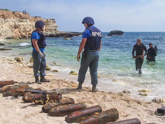 243 боевых снаряда обнаружили в бухте Севастополя