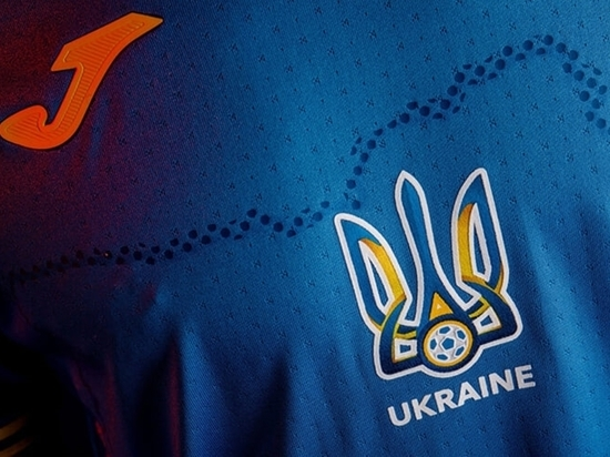 В Кремле отреагировали на решение УЕФА по форме Украины