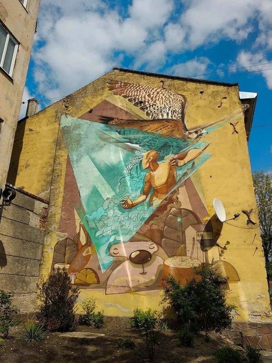 Власти потребовали от участников Street Vision убрать нарисованные в центре Томска граффити