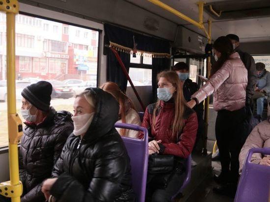 Мэрия Омска сообщила об охвате вакцинацией водителей и кондукторов транспорта