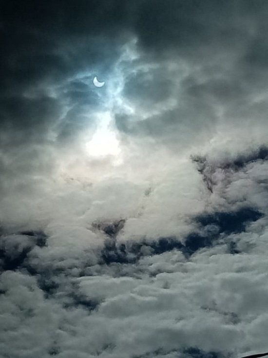 Солнце как Луна: редкое затмение увидели жители Ямала