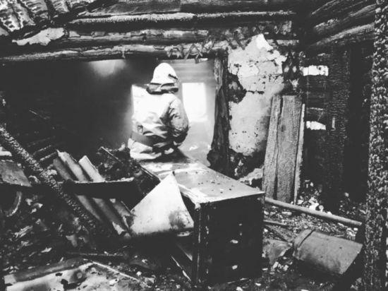 Башкирские следователи расследуют пожар, унесший жизни отца и трехлетней дочки