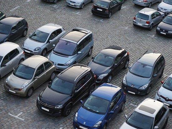 У Майдана в Набережных Челнах строят парковку на 450 мест