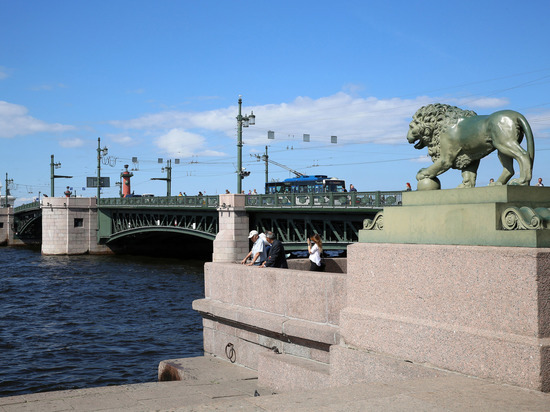 В дни Евро-2020 мосты Петербурга украсит новая праздничная подсветка