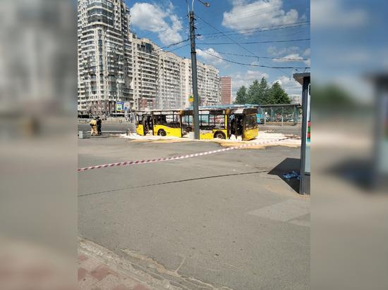 Сгоревшим дотла автобусом у «Беговой» заинтересовалась прокуратура
