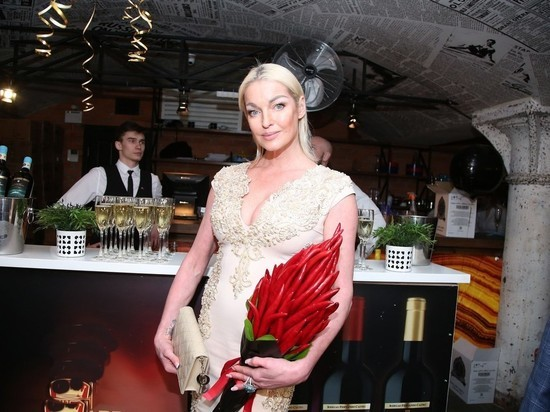 Волочкова подала в суд на руководство Большого театра