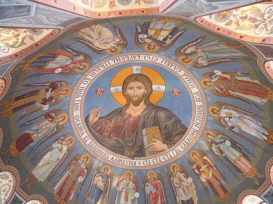 Патриарха Кирилла пригласили на освящение Александро-Невского собора