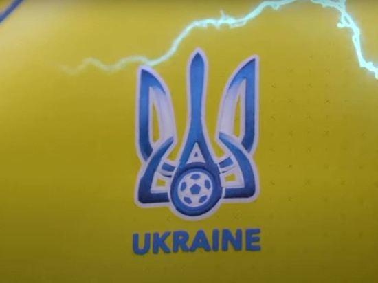 Украинский теннисист возмутился запретом УЕФА лозунга «Героям слава»